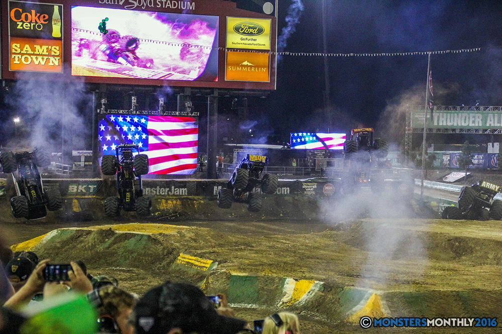 258-monster-jam-world-finals-17-march-2016-sam-boyd-stadium-las-vegas-monster-truck-racing-freestyle-gravedigger-maxd-monster-mutt-titan.jpg