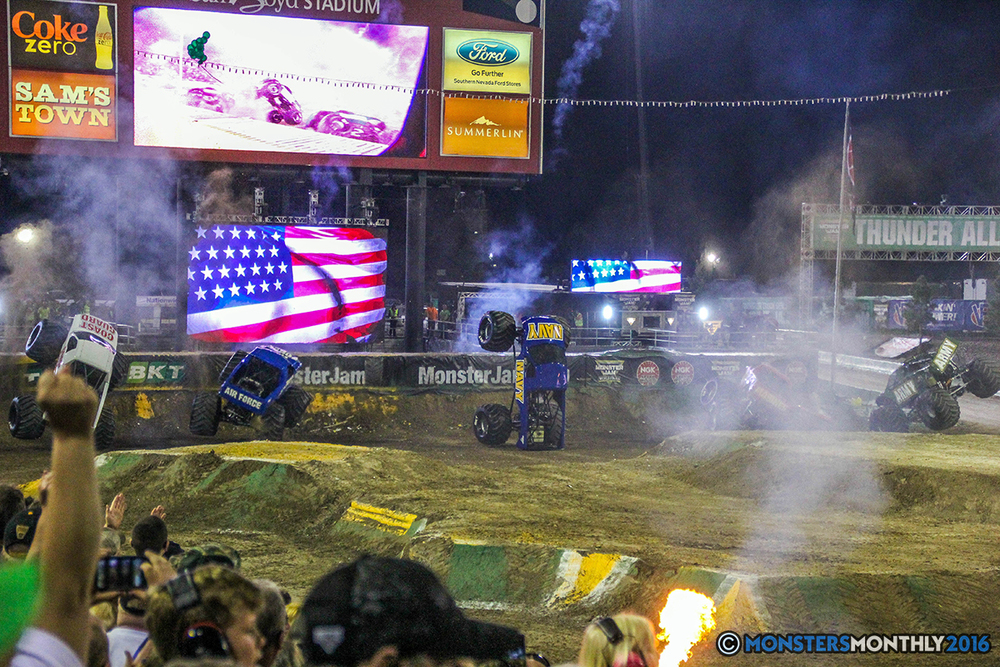 262-monster-jam-world-finals-17-march-2016-sam-boyd-stadium-las-vegas-monster-truck-racing-freestyle-gravedigger-maxd-monster-mutt-titan.jpg