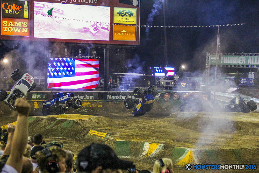 265-monster-jam-world-finals-17-march-2016-sam-boyd-stadium-las-vegas-monster-truck-racing-freestyle-gravedigger-maxd-monster-mutt-titan.jpg