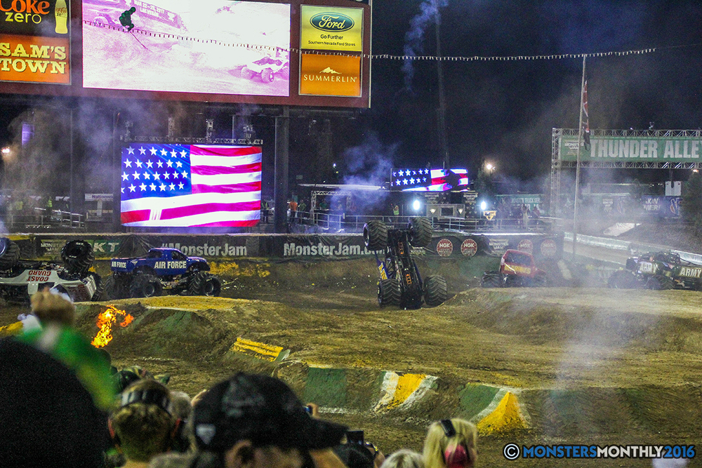 270-monster-jam-world-finals-17-march-2016-sam-boyd-stadium-las-vegas-monster-truck-racing-freestyle-gravedigger-maxd-monster-mutt-titan.jpg