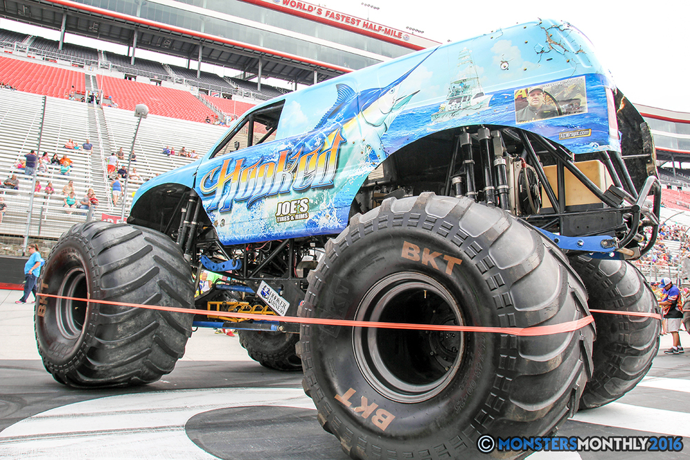 02-monsters-monthly-thompson-metal-monster-truck-madness-2016-bristol-motor-speedway-bigfoot-heavy-hitter-hooked-stone-crusher-quad-chaos-dawg-pound-dirt-crew.jpg