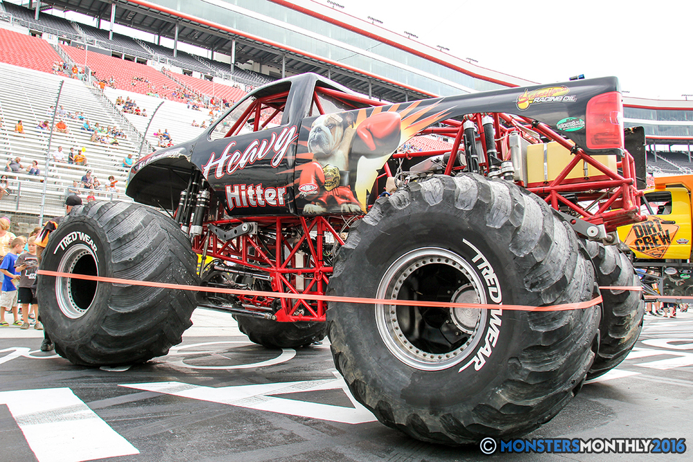 04-monsters-monthly-thompson-metal-monster-truck-madness-2016-bristol-motor-speedway-bigfoot-heavy-hitter-hooked-stone-crusher-quad-chaos-dawg-pound-dirt-crew.jpg