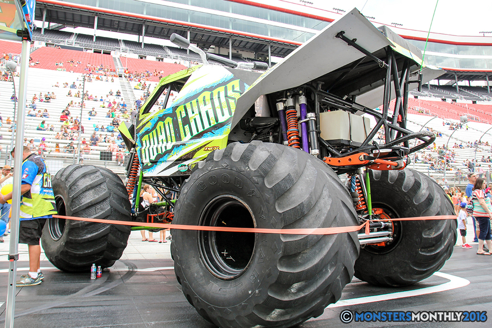 06-monsters-monthly-thompson-metal-monster-truck-madness-2016-bristol-motor-speedway-bigfoot-heavy-hitter-hooked-stone-crusher-quad-chaos-dawg-pound-dirt-crew.jpg