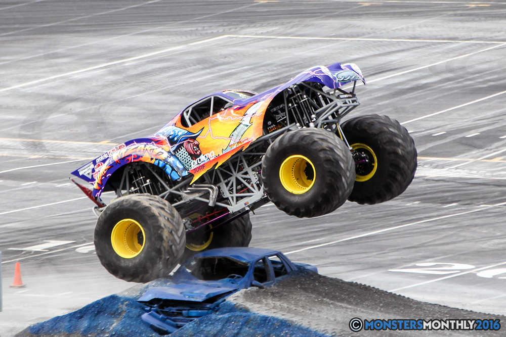 14-monsters-monthly-thompson-metal-monster-truck-madness-2016-bristol-motor-speedway-bigfoot-heavy-hitter-hooked-stone-crusher-quad-chaos-dawg-pound-dirt-crew.jpg