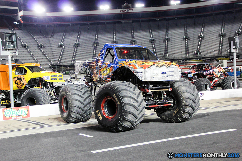 56-monsters-monthly-thompson-metal-monster-truck-madness-2016-bristol-motor-speedway-bigfoot-heavy-hitter-hooked-stone-crusher-quad-chaos-dawg-pound-dirt-crew.jpg