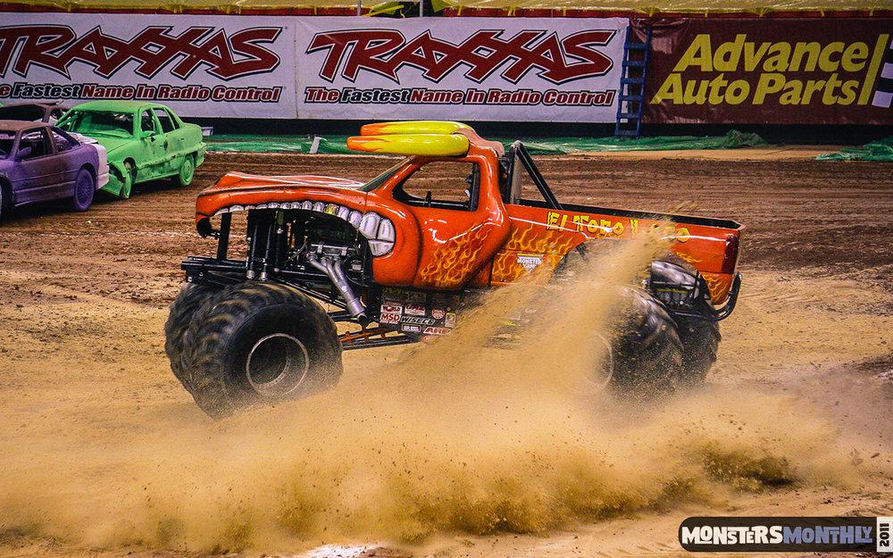 10-monster-jam-georgia-dome-2011-monster-truck-racing-freestyle-monsters-monthly-grave-digger-avenger-maximum-desruction.jpg