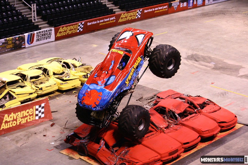 07-monsters-monthly-monster-jam-2011-thompson-boling-arena-grave-digger-spiderman-predator-prowler-bad-news.jpg