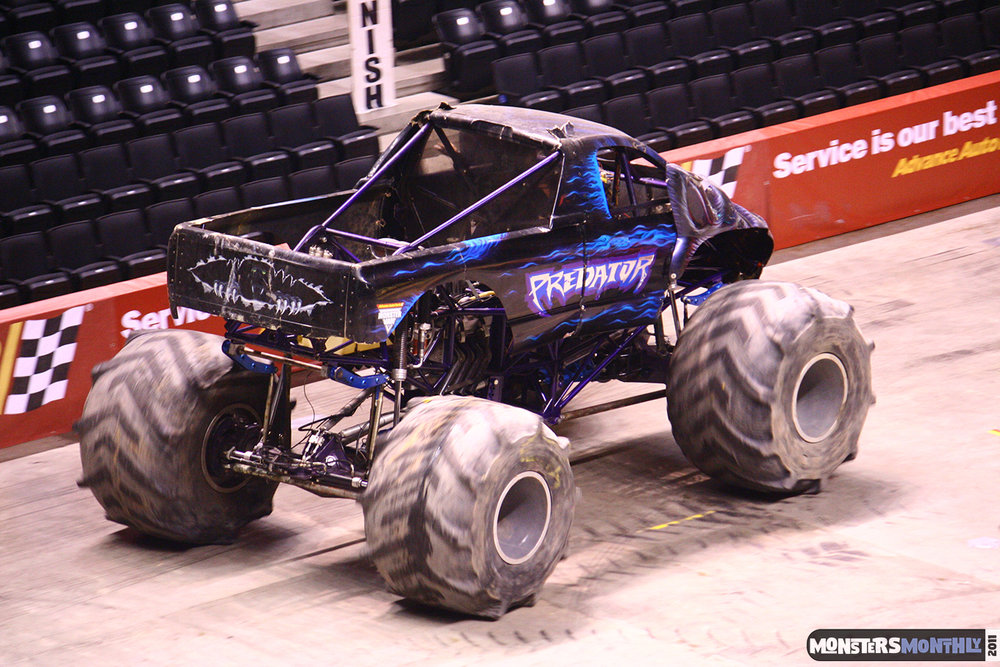 16-monsters-monthly-monster-jam-2011-thompson-boling-arena-grave-digger-spiderman-predator-prowler-bad-news.jpg