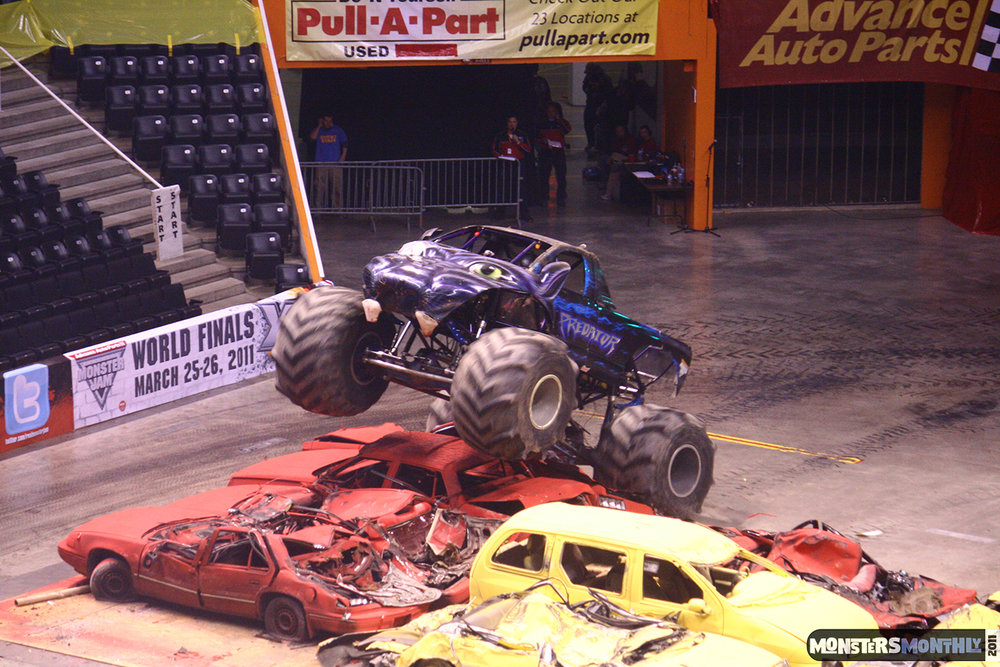 20-monsters-monthly-monster-jam-2011-thompson-boling-arena-grave-digger-spiderman-predator-prowler-bad-news.jpg