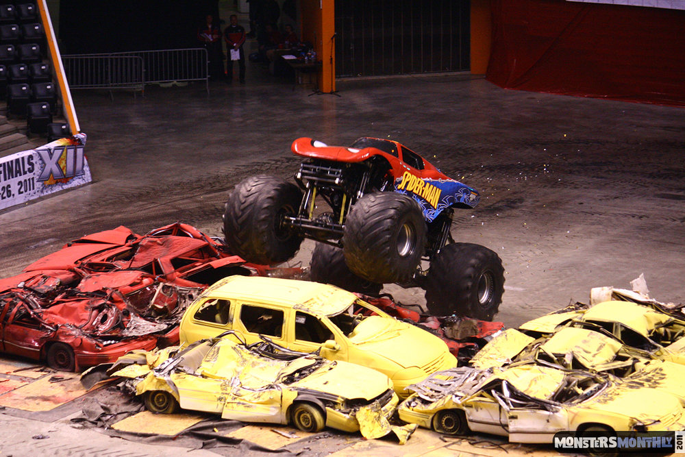 24-monsters-monthly-monster-jam-2011-thompson-boling-arena-grave-digger-spiderman-predator-prowler-bad-news.jpg