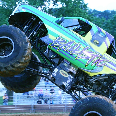 05-monstersmonthly-old-school-monster-race-sevierville-tennessee-2011+copy.jpg