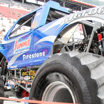 07-monsters-monthly-thompson-metal-monster-truck-madness-2016-bristol-motor-speedway-bigfoot-heavy-hitter-hooked-stone-crusher-quad-chaos-dawg-pound-dirt-crew.jpg