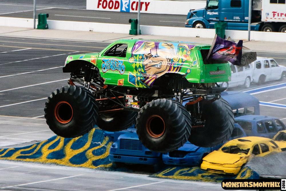 monsters-monthly-beef-o-bradys-monster-truck-madness-bristol-motor-speedway-2018 (10).jpg