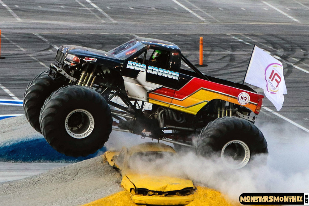 monsters-monthly-beef-o-bradys-monster-truck-madness-bristol-motor-speedway-2018 (18).jpg