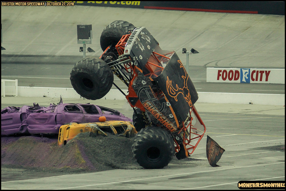 43-metropcs-monster-truck-mash-bristol-motor-speedway-2018-monsters-monthly.jpg