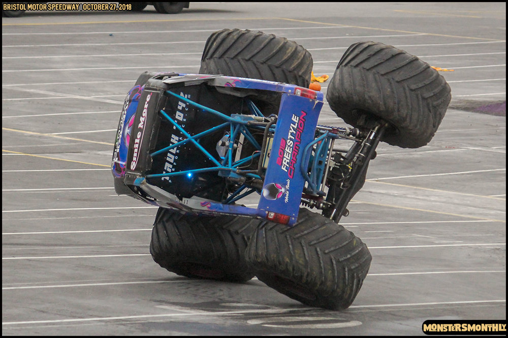 47-metropcs-monster-truck-mash-bristol-motor-speedway-2018-monsters-monthly.jpg