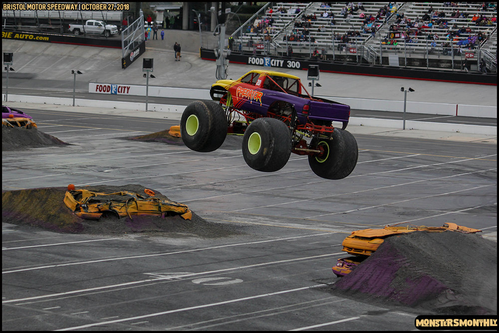 53-metropcs-monster-truck-mash-bristol-motor-speedway-2018-monsters-monthly.jpg