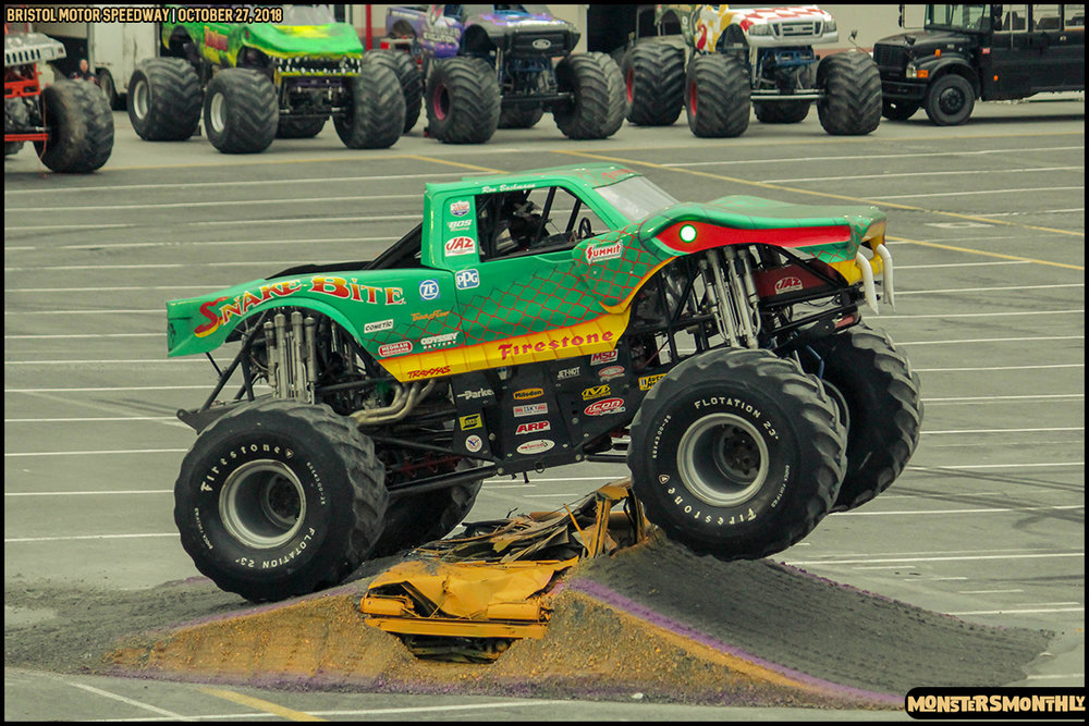 54-metropcs-monster-truck-mash-bristol-motor-speedway-2018-monsters-monthly.jpg