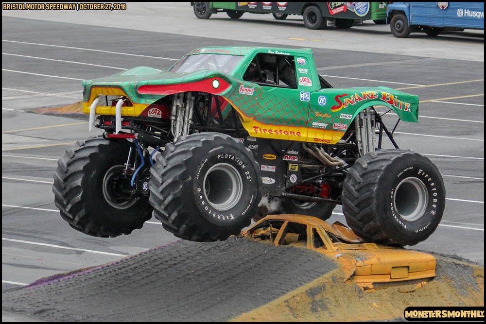 55-metropcs-monster-truck-mash-bristol-motor-speedway-2018-monsters-monthly.jpg