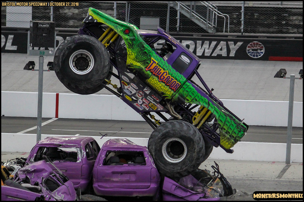 65-metropcs-monster-truck-mash-bristol-motor-speedway-2018-monsters-monthly.jpg