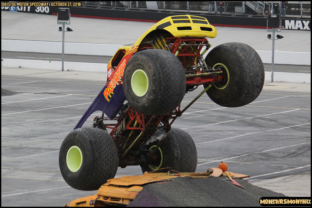 67-metropcs-monster-truck-mash-bristol-motor-speedway-2018-monsters-monthly.jpg