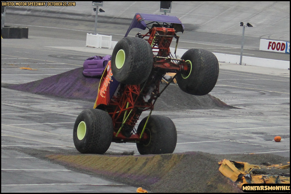 68-metropcs-monster-truck-mash-bristol-motor-speedway-2018-monsters-monthly.jpg