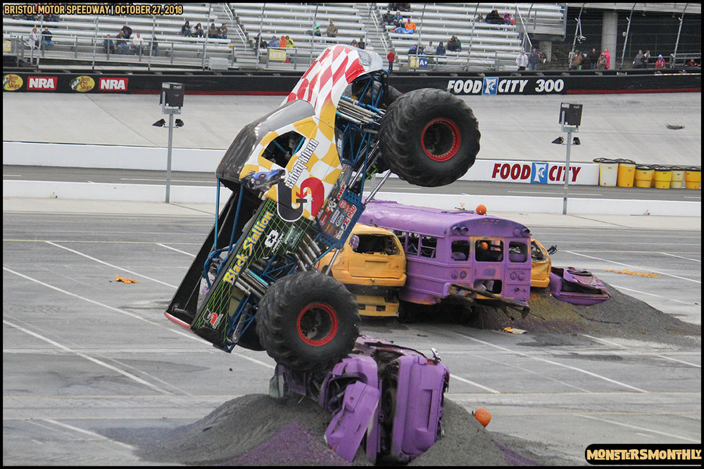 74-metropcs-monster-truck-mash-bristol-motor-speedway-2018-monsters-monthly.jpg