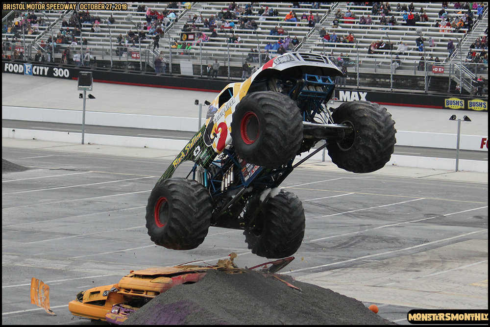 76-metropcs-monster-truck-mash-bristol-motor-speedway-2018-monsters-monthly.jpg