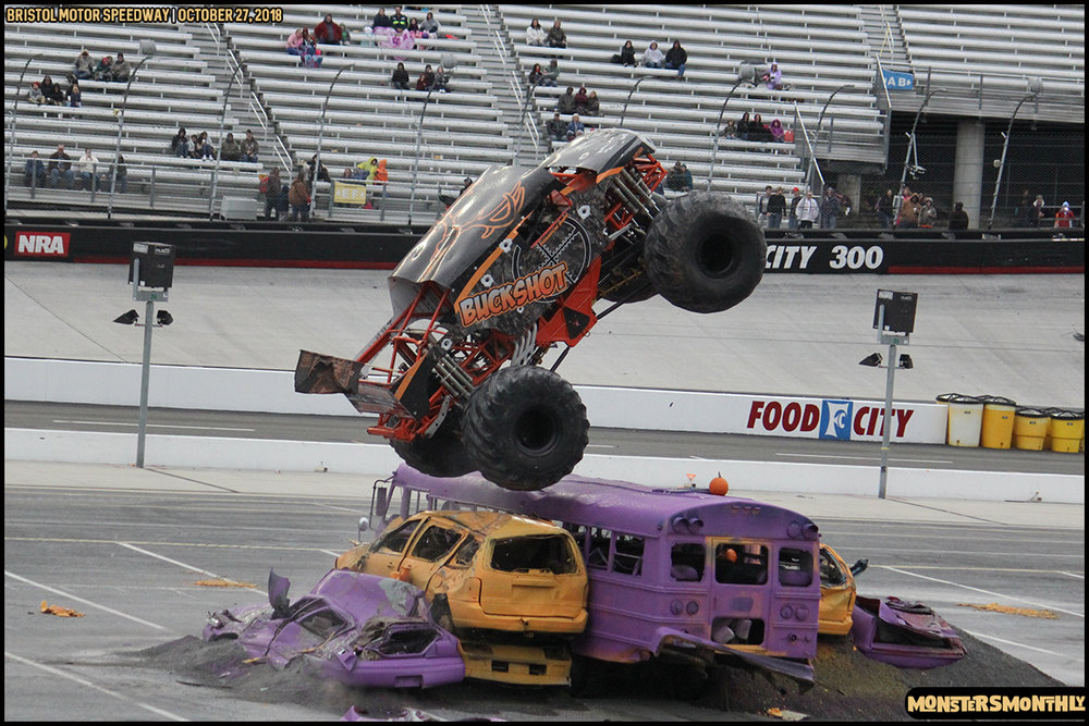 78-metropcs-monster-truck-mash-bristol-motor-speedway-2018-monsters-monthly.jpg