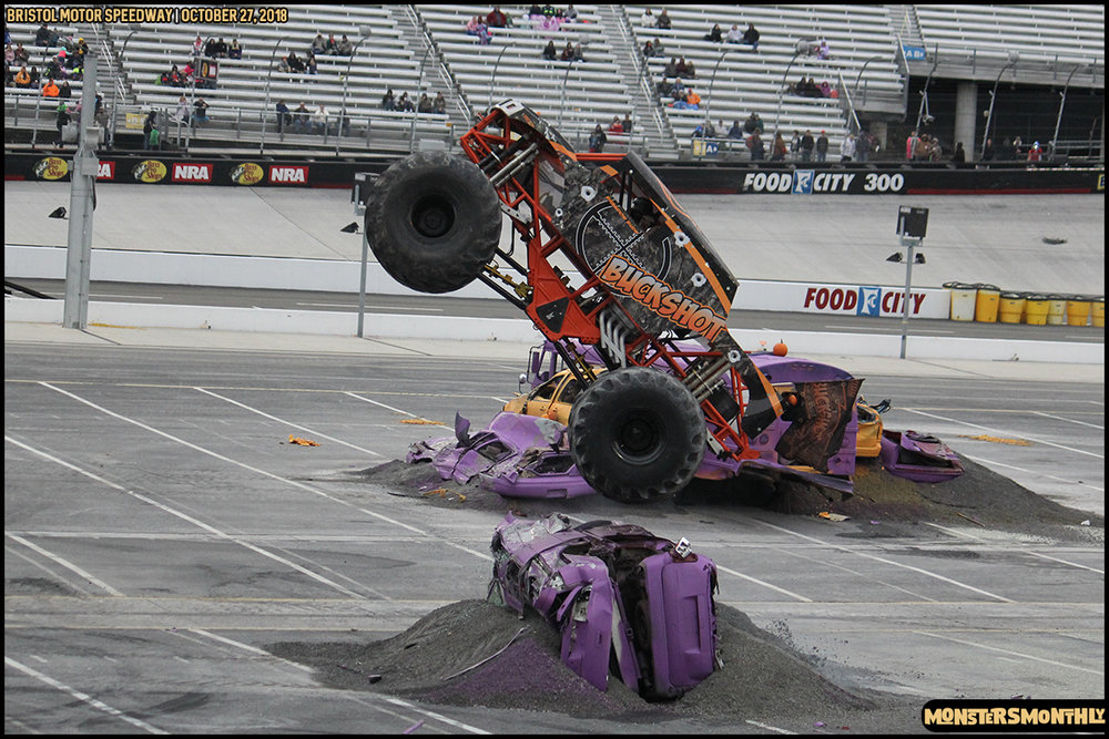 79-metropcs-monster-truck-mash-bristol-motor-speedway-2018-monsters-monthly.jpg
