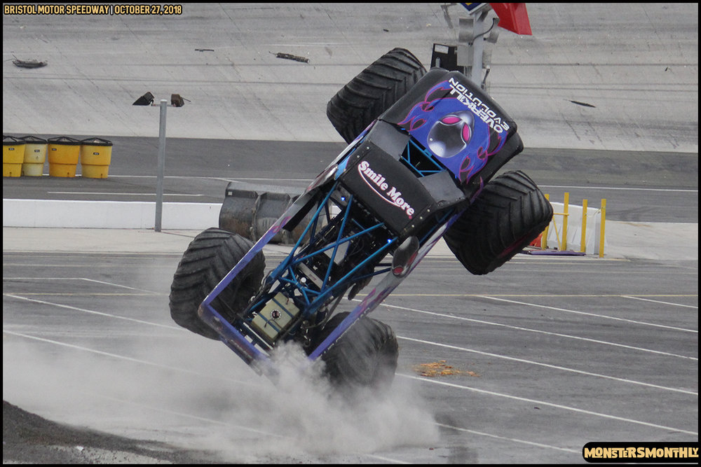 83-metropcs-monster-truck-mash-bristol-motor-speedway-2018-monsters-monthly.jpg