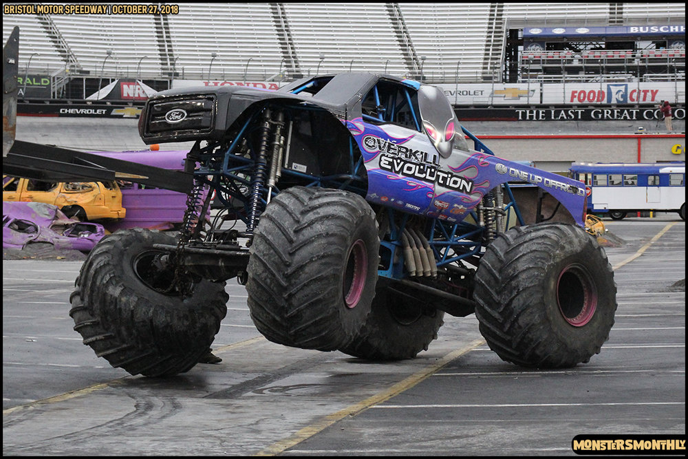 85-metropcs-monster-truck-mash-bristol-motor-speedway-2018-monsters-monthly.jpg
