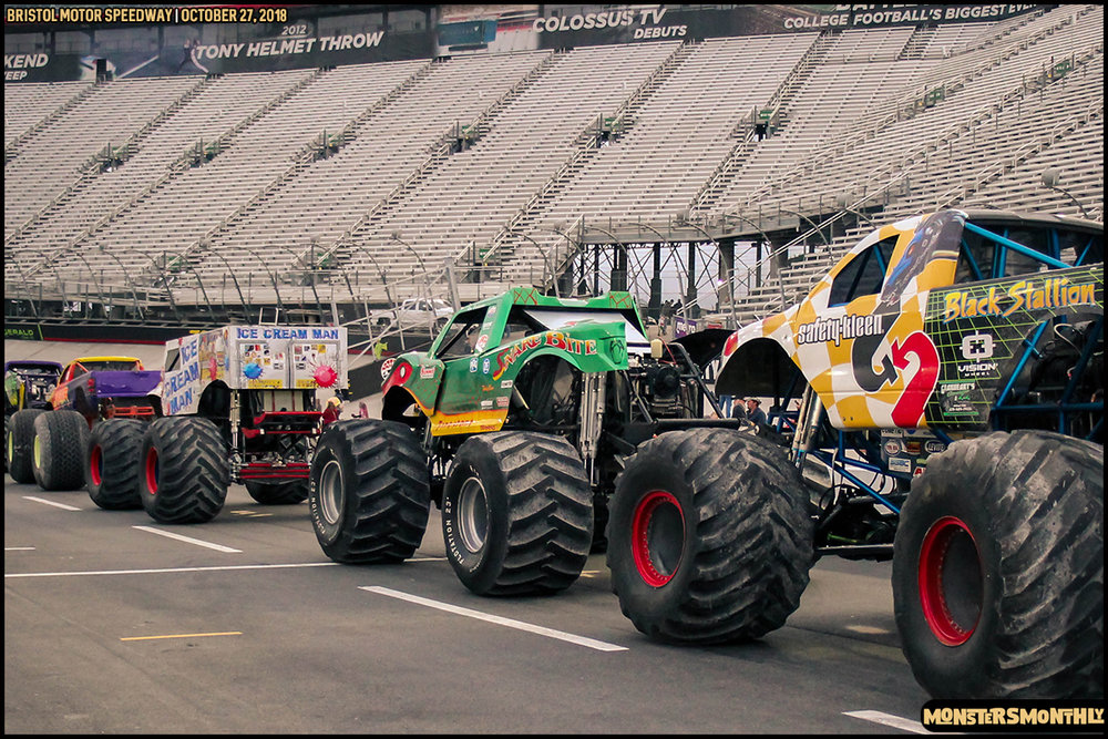 88-metropcs-monster-truck-mash-bristol-motor-speedway-2018-monsters-monthly.jpg