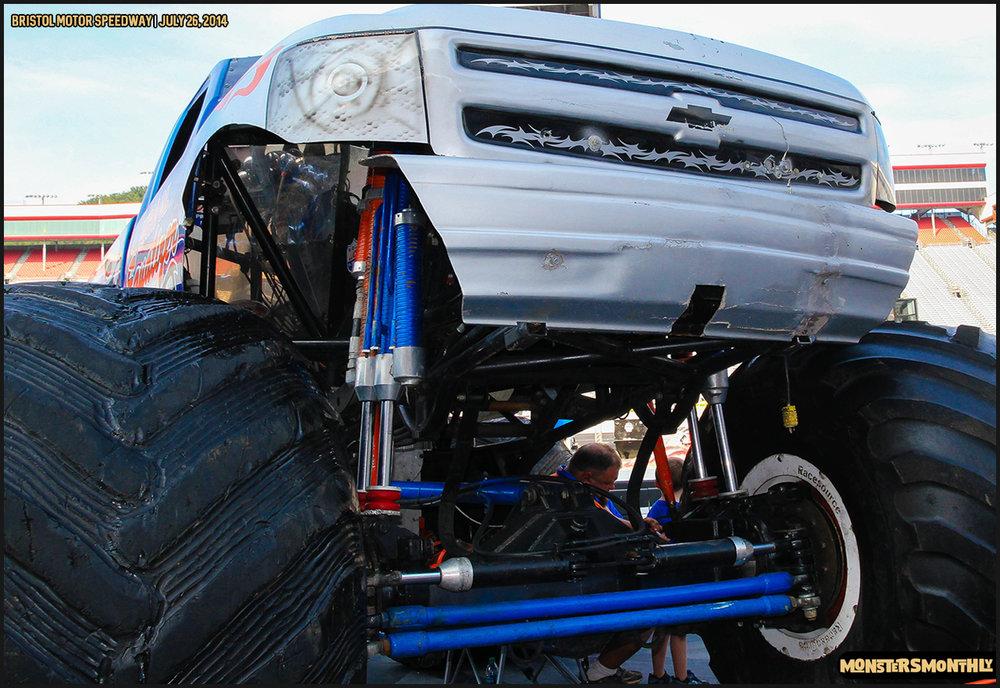 02-thompson-metal-monster-truck-madness-bristol-motor-speedway-july-26-2014-bigfoot-stone-crusher-monsters-monthly.jpg