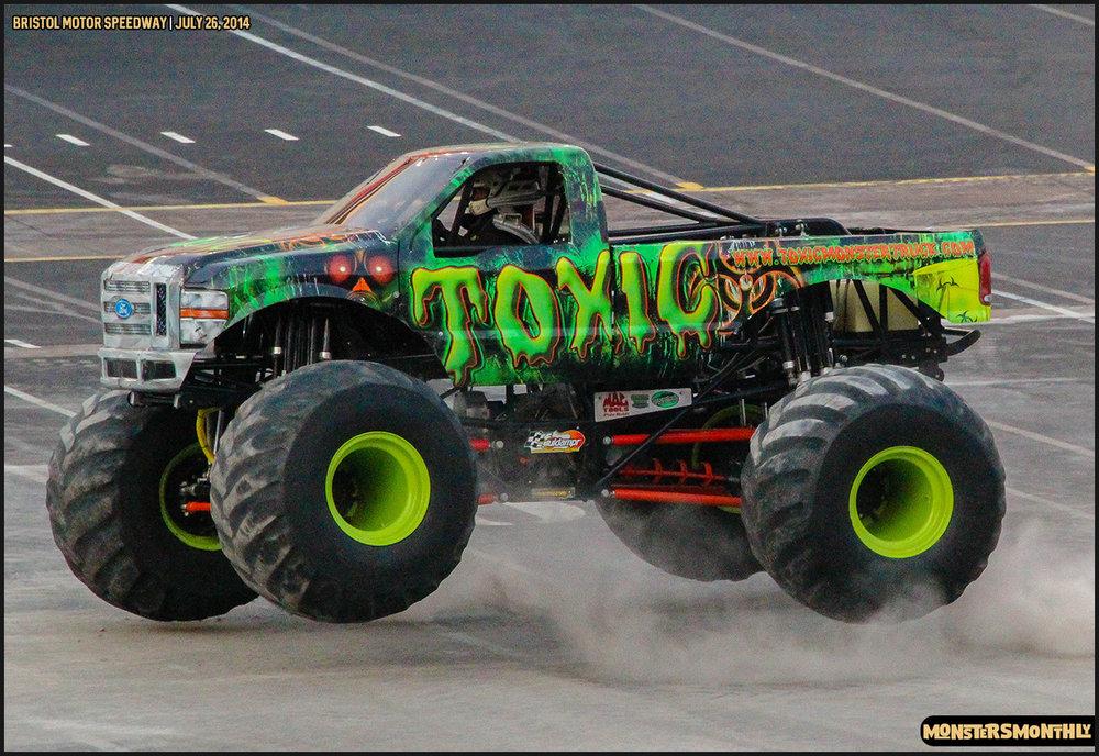 08-thompson-metal-monster-truck-madness-bristol-motor-speedway-july-26-2014-bigfoot-stone-crusher-monsters-monthly.jpg