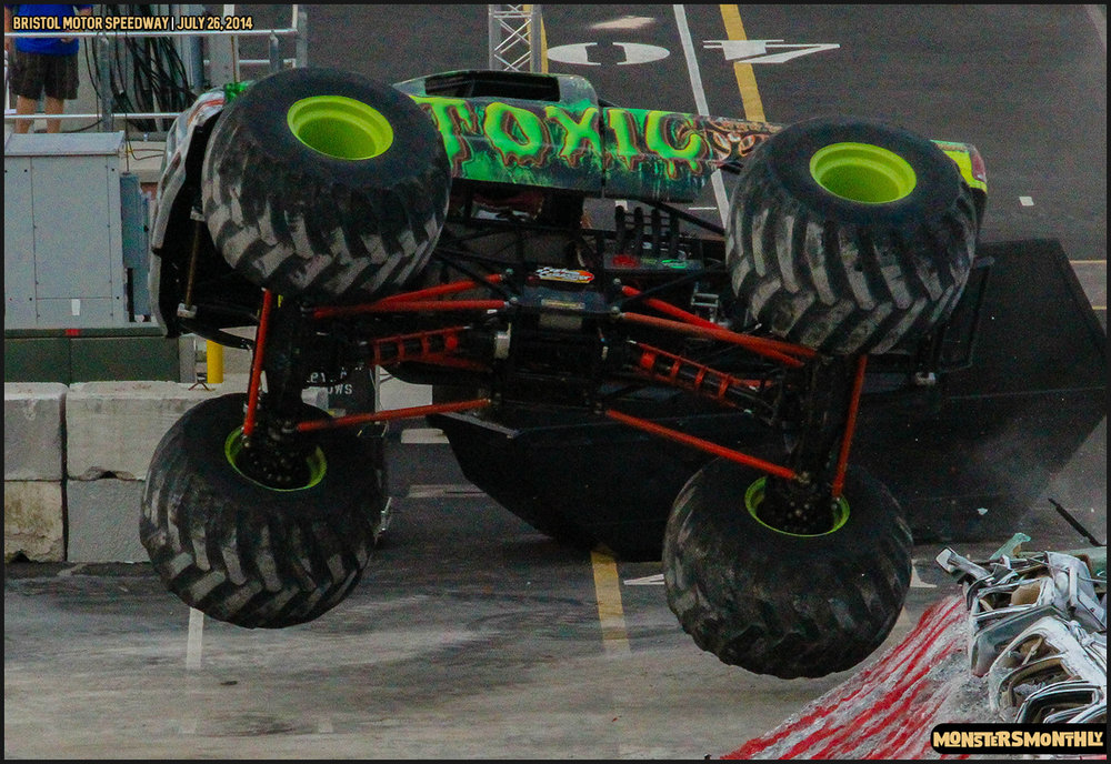 09-thompson-metal-monster-truck-madness-bristol-motor-speedway-july-26-2014-bigfoot-stone-crusher-monsters-monthly.jpg