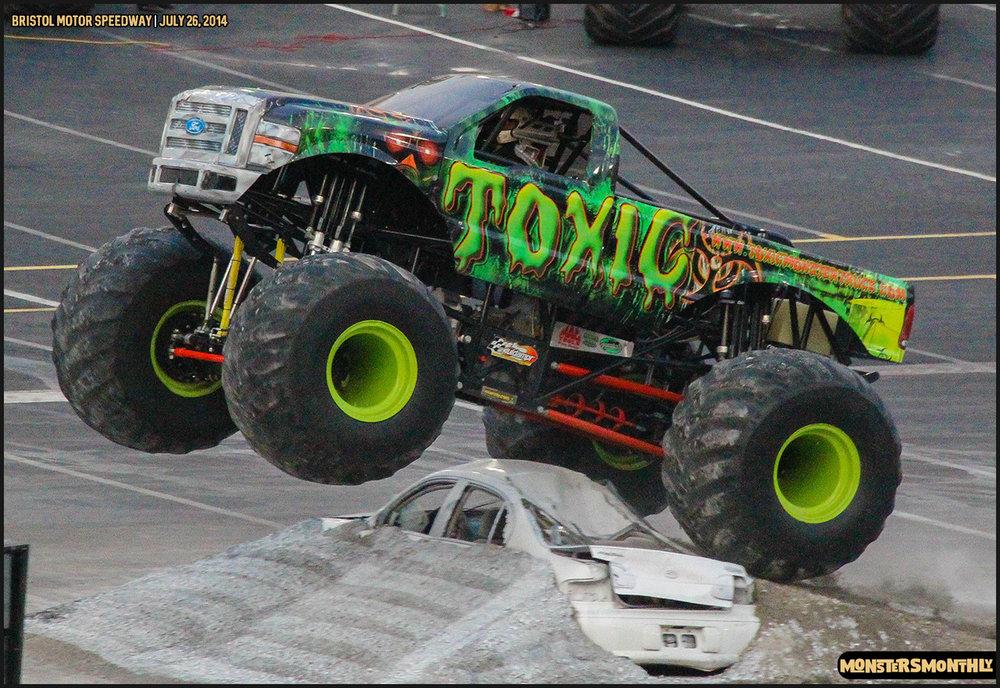 21-thompson-metal-monster-truck-madness-bristol-motor-speedway-july-26-2014-bigfoot-stone-crusher-monsters-monthly.jpg