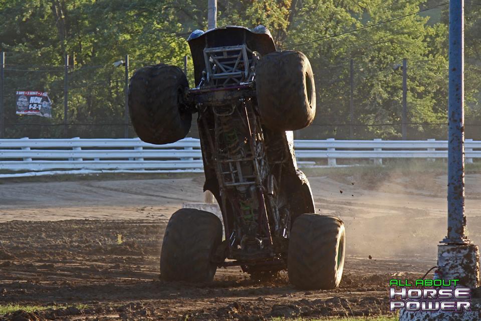 03-all-about-horsepower-photography-quincy-illinois-raceways-hardcore-monster-truck-challenge.jpg