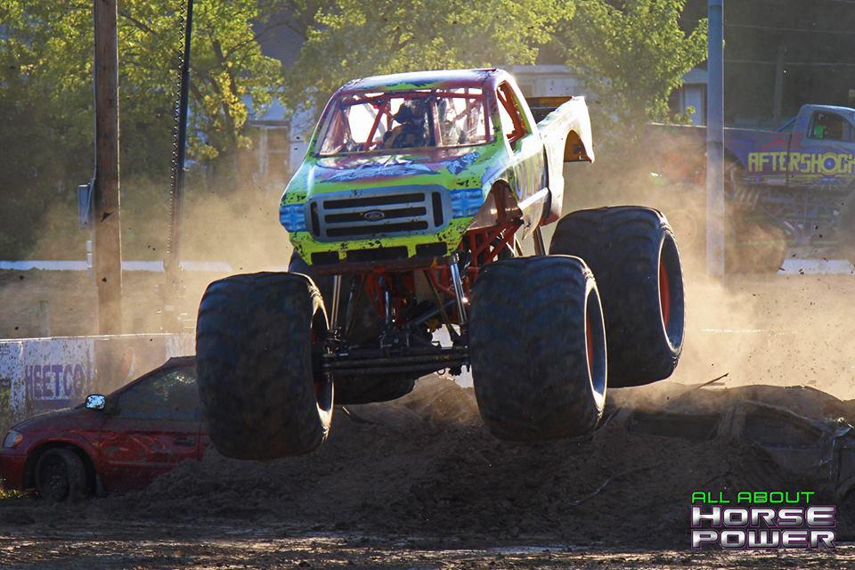 04-all-about-horsepower-photography-quincy-illinois-raceways-hardcore-monster-truck-challenge.jpg