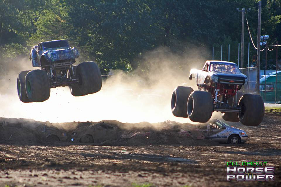 12-all-about-horsepower-photography-quincy-illinois-raceways-hardcore-monster-truck-challenge.jpg