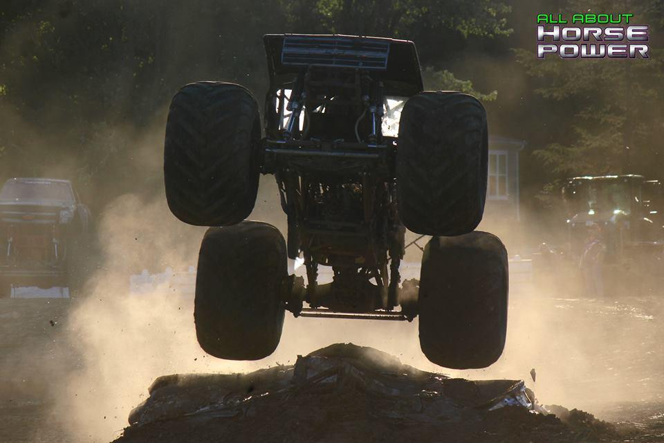 18-all-about-horsepower-photography-quincy-illinois-raceways-hardcore-monster-truck-challenge.jpg