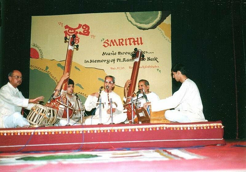 Accompanying stalwart Pt. Balasaheb Poonchwale, Bangalore 1999