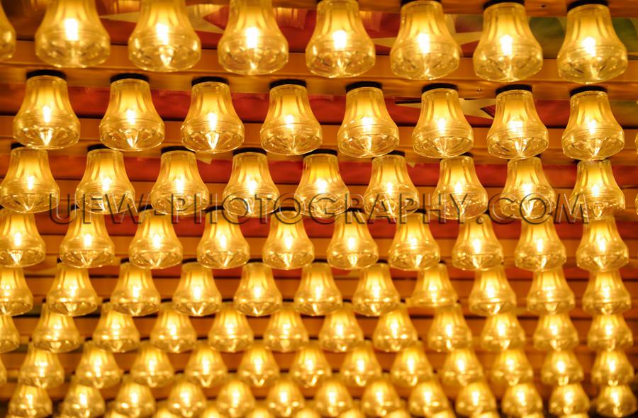 Reihen Kleine Leuchtende Glühlampen Freizeitpark Volksfest Stoc