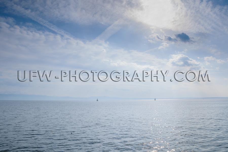 Blauer See Aussicht Dramatisch Blauer Bewölkter Sommerhimmel Ho