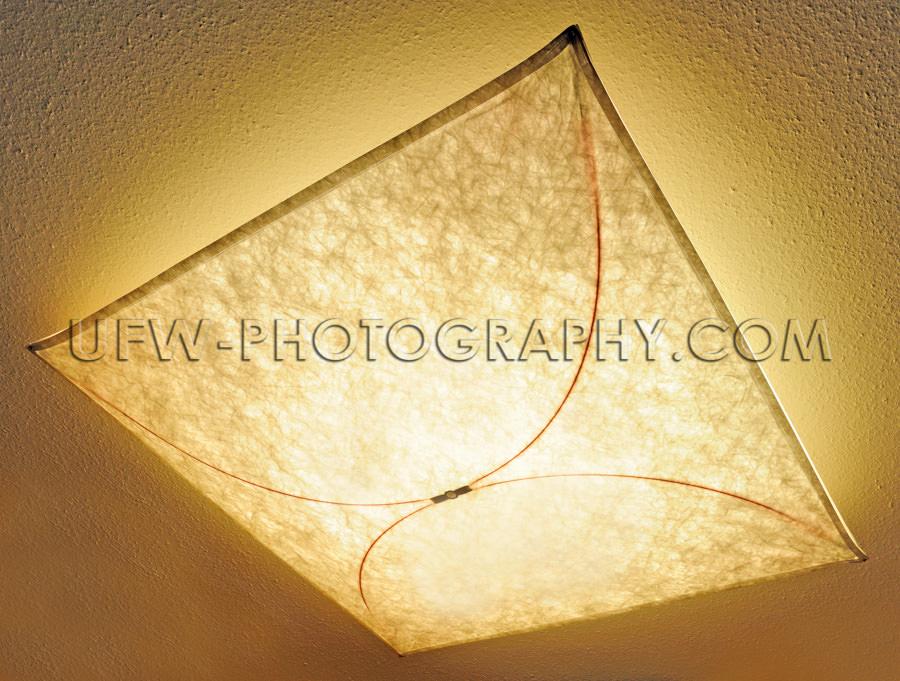 Decke Lampe Indirektes Licht Beleuchtet Textil Muster Stock Foto