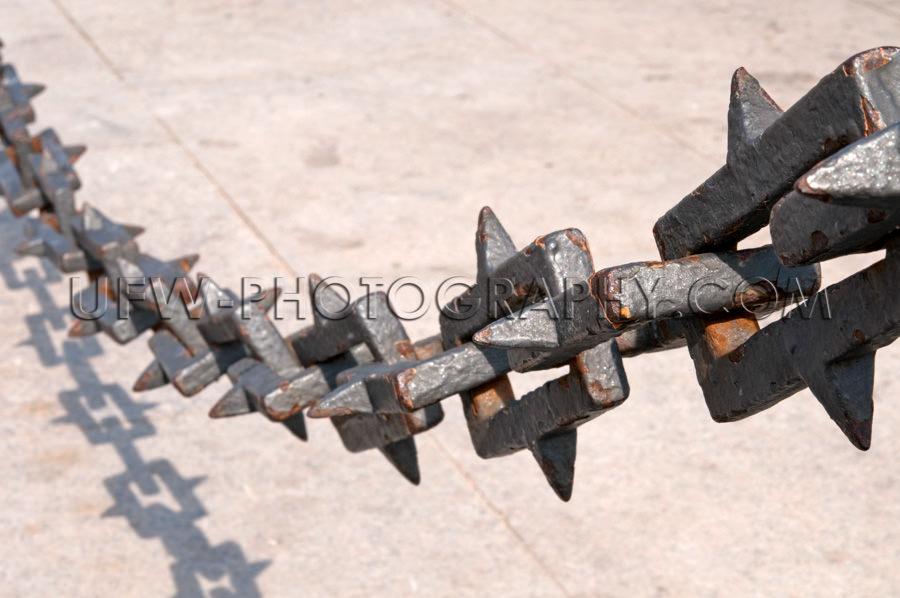 Schwer Eisenkette Hängend Rostig Spitz Kettenglied Nahaufnahme