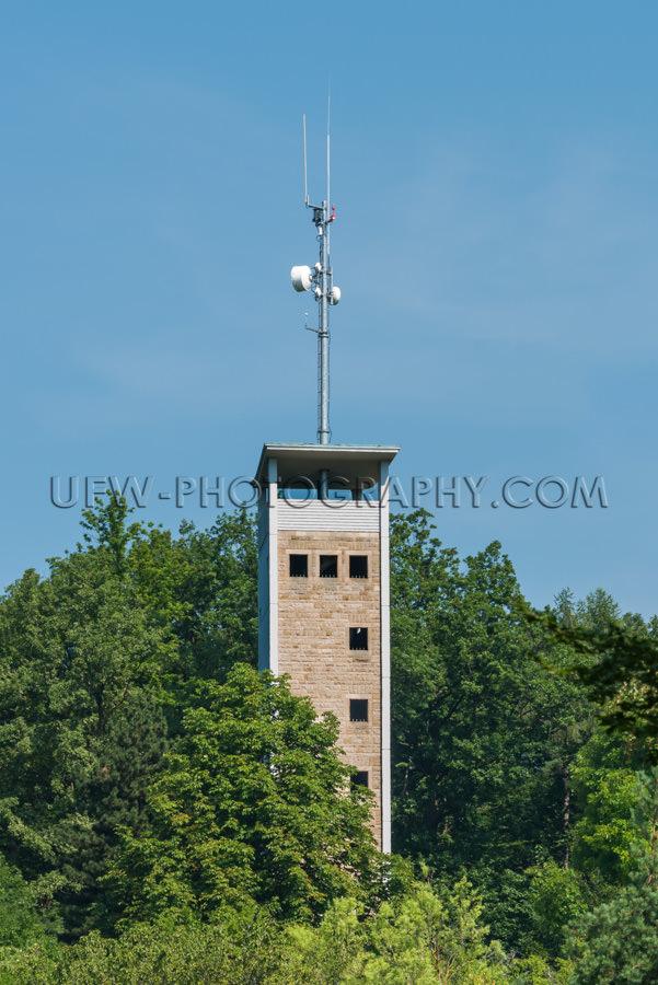 Telekommunikation Mobilfunk Antenne Aussichtspunkt Turm Wald Sto
