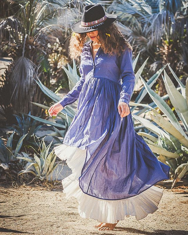 @dreaming.nicki . . . . . . . . #boho#bohemian#todossantos#sunlight #bluepalms  #agave #gypsy#blue #fujifilm #vibes