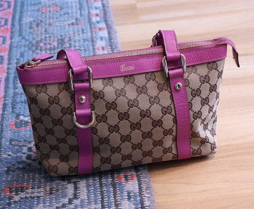 8dc6fd80d31 Gucci monogram bag with purple leather handles — Phenix