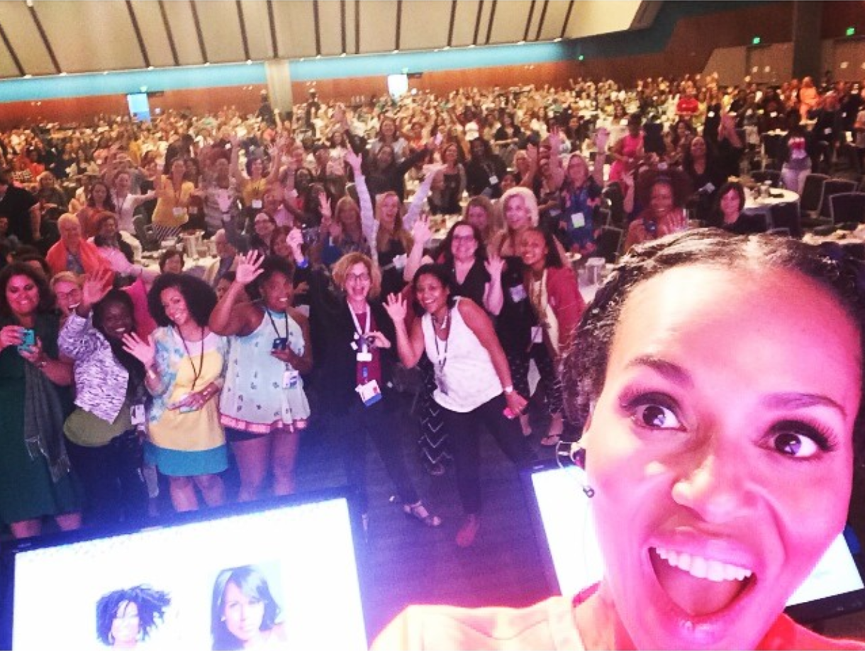 "Kerry Washington takes an ""usie"" with the BlogHer audience."